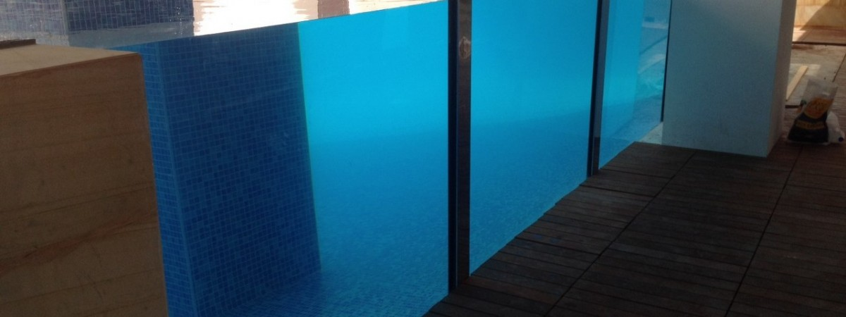 underwater windows, transparent pools